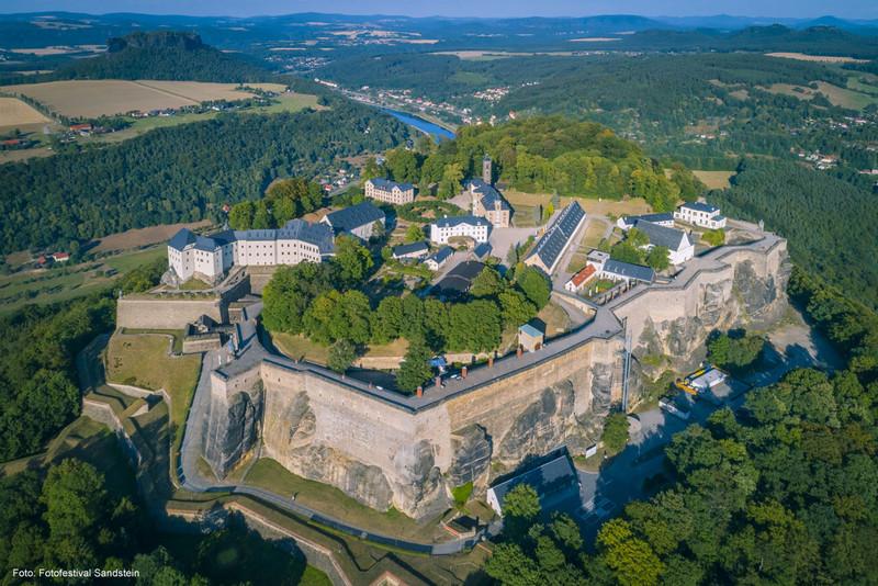 Festung Königstein - Luftaufnahme von Südenwesten   Foto: Fotofestival Sandstein