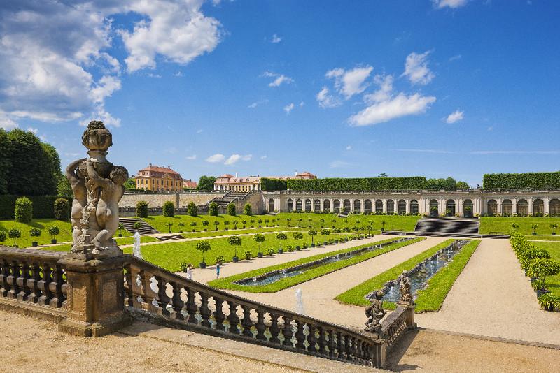 """Geschichte und Geschichten um das """"Sächsische Versailles"""""""